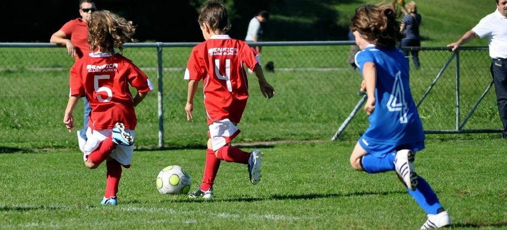 Los niños que sufren una conmoción cerebral practicando deporte tienen menos memoria