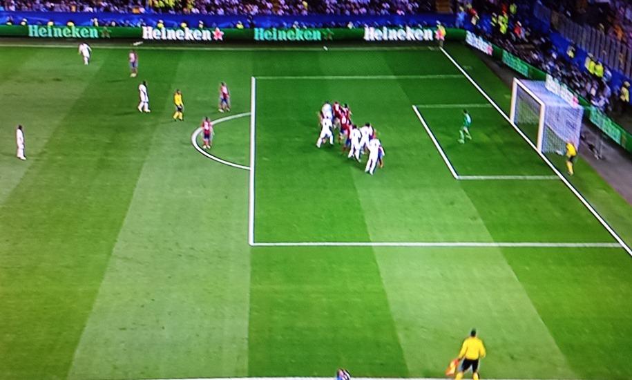 El real madrid gana la champions con un gol en fuera de for En fuera de juego